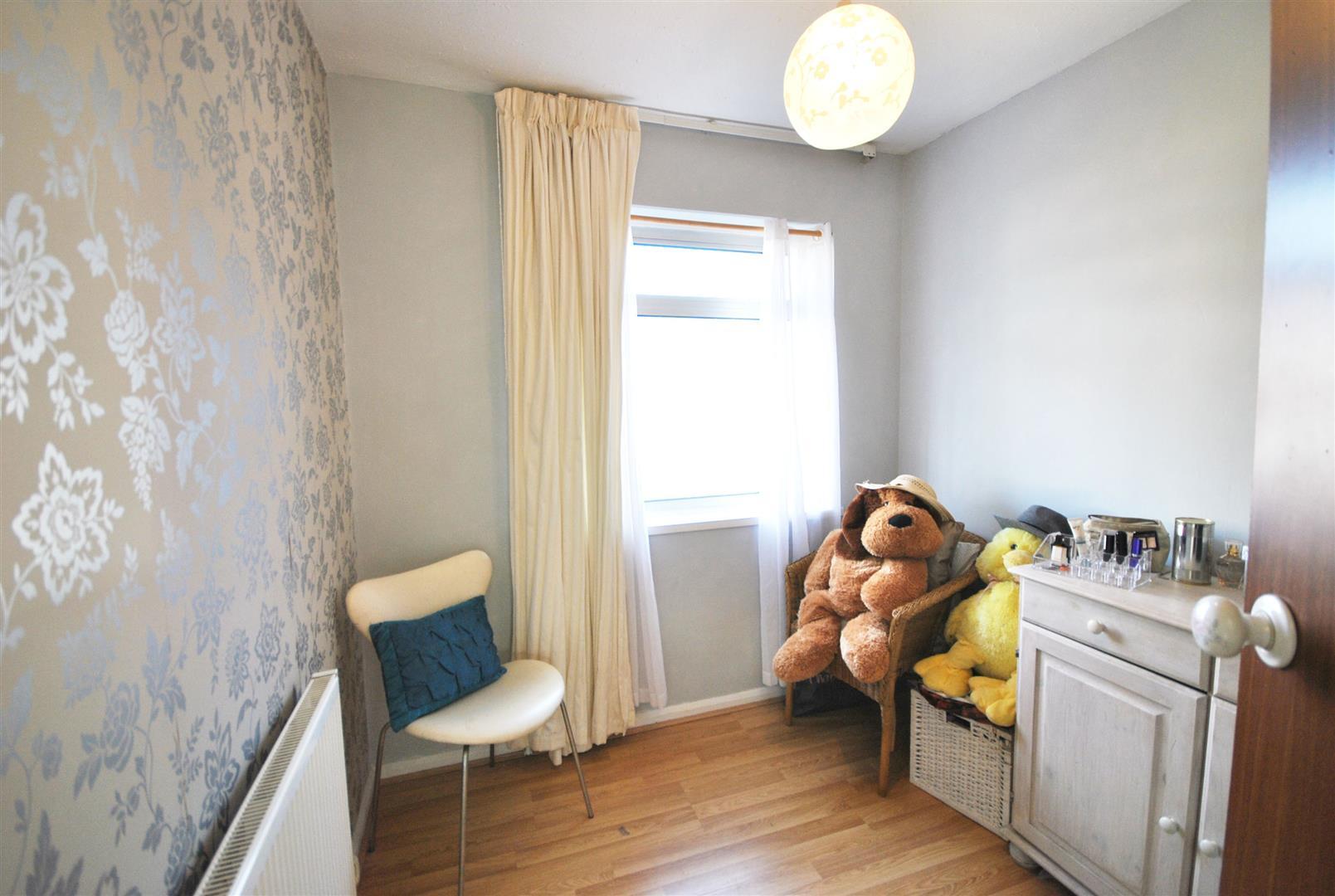 3 Bedrooms, House - Semi-Detached